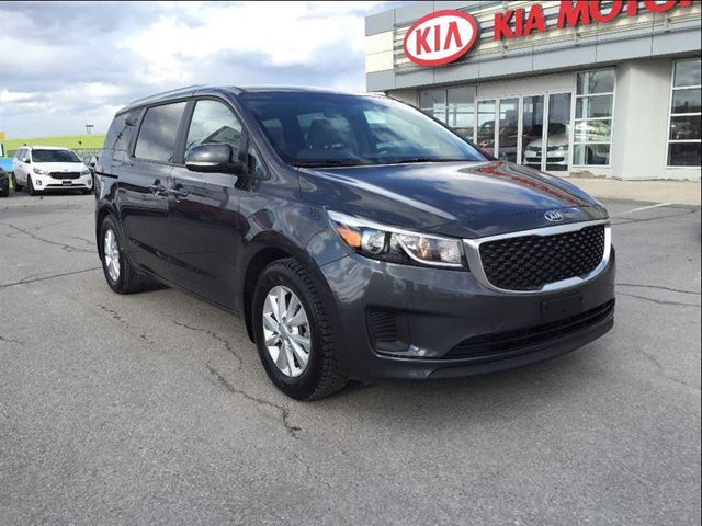 2017 kia sedona lx lx newmarket ontario used car for sale 2716606. Black Bedroom Furniture Sets. Home Design Ideas