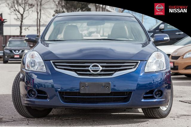 2010 nissan altima toronto ontario car for sale 2717973. Black Bedroom Furniture Sets. Home Design Ideas