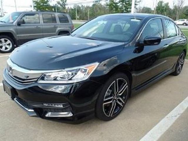 2017 honda accord sport mississauga ontario used car for sale 2718603. Black Bedroom Furniture Sets. Home Design Ideas