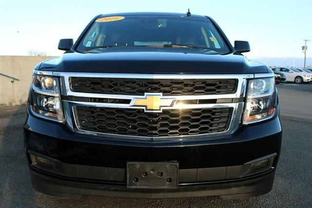 2016 chevrolet suburban lt regina saskatchewan used car for sale 2717961. Black Bedroom Furniture Sets. Home Design Ideas