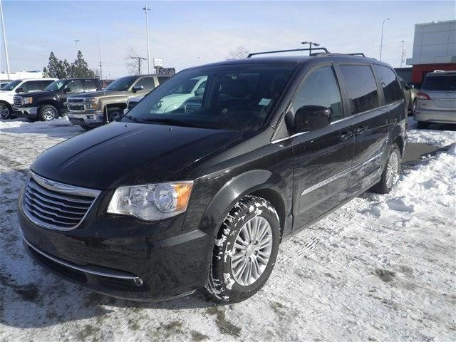 2016 CHRYSLER TOWN AND COUNTRY Touring in Okotoks, Alberta