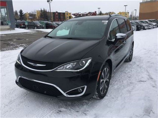 2017 CHRYSLER PACIFICA Limited-StowN VAC Intergrated Vacume, Leather HEA in Okotoks, Alberta