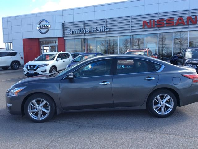 2015 nissan altima 2 5 sl smiths falls ontario car for sale 2719130. Black Bedroom Furniture Sets. Home Design Ideas