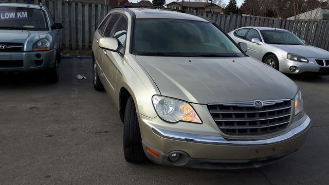 2007 CHRYSLER PACIFICA Touring in Oshawa, Ontario