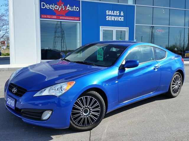 2010 hyundai genesis 2 0t brantford ontario car for sale 2719961. Black Bedroom Furniture Sets. Home Design Ideas