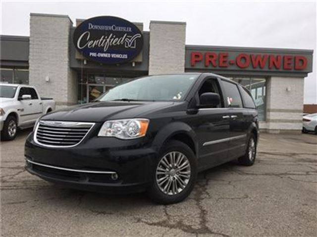 2016 CHRYSLER TOWN AND COUNTRY Touring..L   Sunroof   Leather   Navi   Rear Camer in Toronto, Ontario
