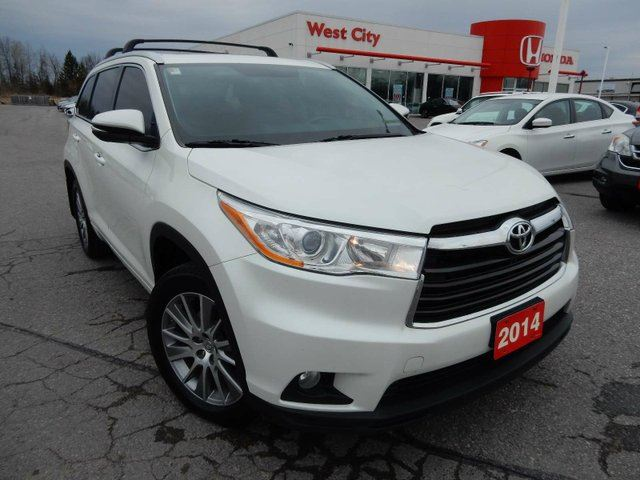 2014 TOYOTA HIGHLANDER XLE 4dr All-wheel Drive - POWER LIFTGATE,LEATHER,SUNROOF! in Belleville, Ontario