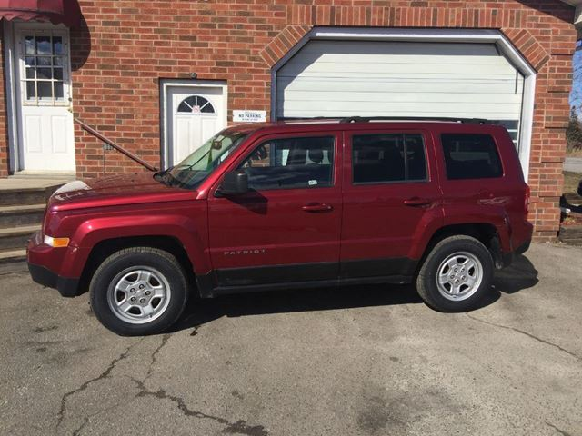 2012 JEEP PATRIOT SPORT in Bowmanville, Ontario