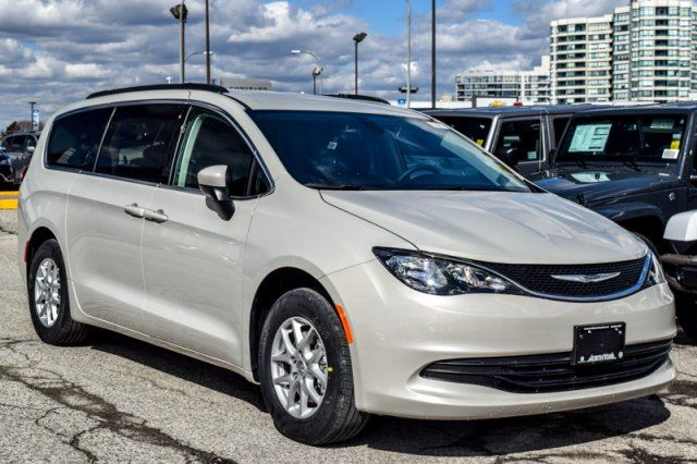 2017 chrysler pacifica new car lx rearcam keylessgo stown 39 go keysense 17alloys thornhill. Black Bedroom Furniture Sets. Home Design Ideas