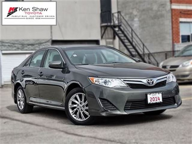2014 toyota camry le green ken shaw toyota. Black Bedroom Furniture Sets. Home Design Ideas