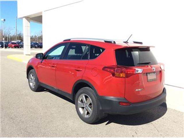 2015 toyota rav4 xle welland ontario used car for sale 2722194. Black Bedroom Furniture Sets. Home Design Ideas