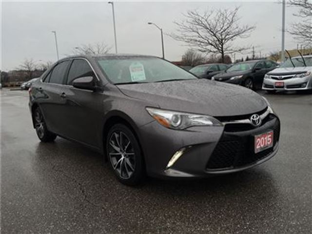 2015 toyota camry xse nav htd seats 1 owner bowmanville ontario used car for sale 2720682. Black Bedroom Furniture Sets. Home Design Ideas
