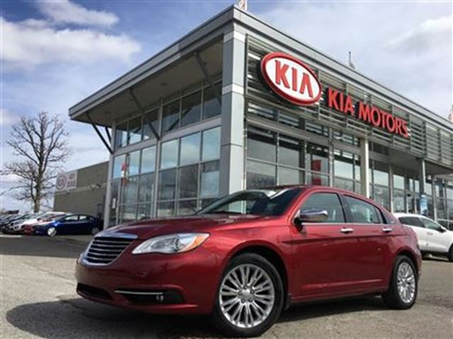2013 Chrysler 200 Limited - $109.88 Bi Weekly, Leather, Sunroof in Mississauga, Ontario