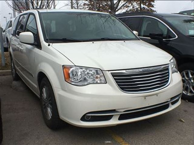 2013 chrysler town and country touring l 6 5 inch touch screen back up camera mississauga. Black Bedroom Furniture Sets. Home Design Ideas