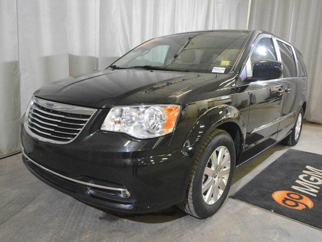 2016 CHRYSLER TOWN AND COUNTRY Touring in Red Deer, Alberta