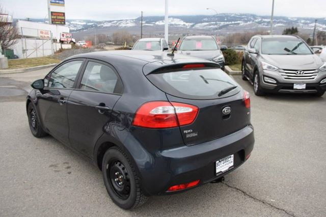 2013 kia rio lx 4dr hatchback kelowna british columbia used car for sale 2722766. Black Bedroom Furniture Sets. Home Design Ideas