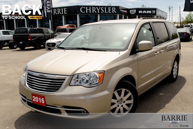 2016 chrysler town and country touring with nav barrie ontario car for sale 2722764. Black Bedroom Furniture Sets. Home Design Ideas