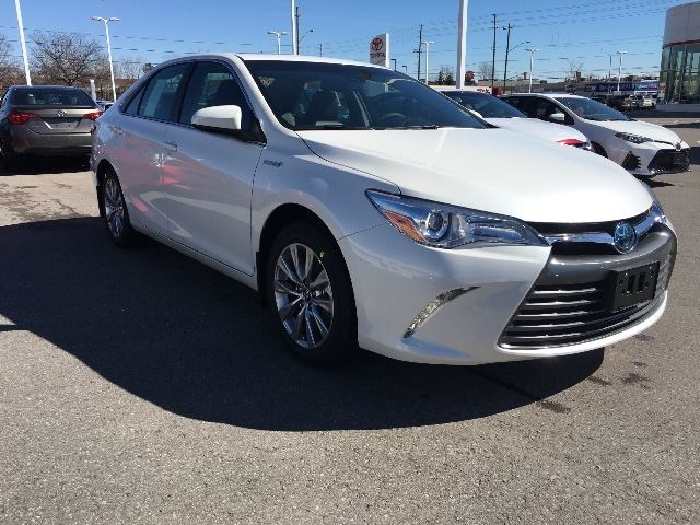 2017 toyota camry hybrid xle nav black leather cobourg ontario used car for sale 2723177. Black Bedroom Furniture Sets. Home Design Ideas