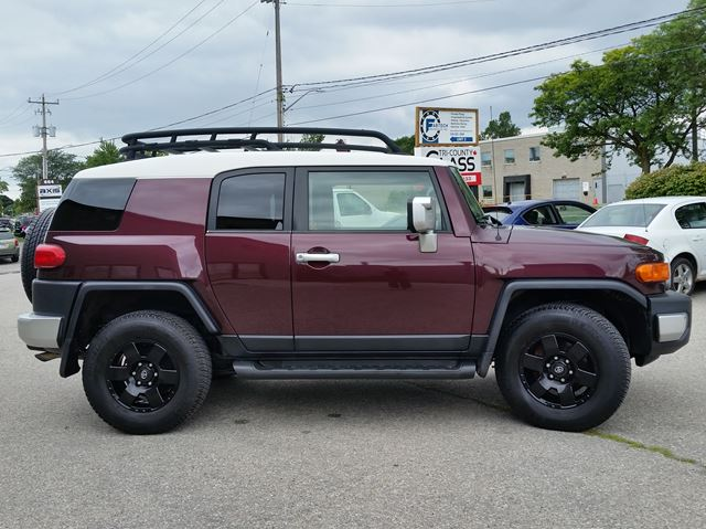 2007 toyota fj cruiser 4x4 cambridge ontario used car for sale 2723439. Black Bedroom Furniture Sets. Home Design Ideas