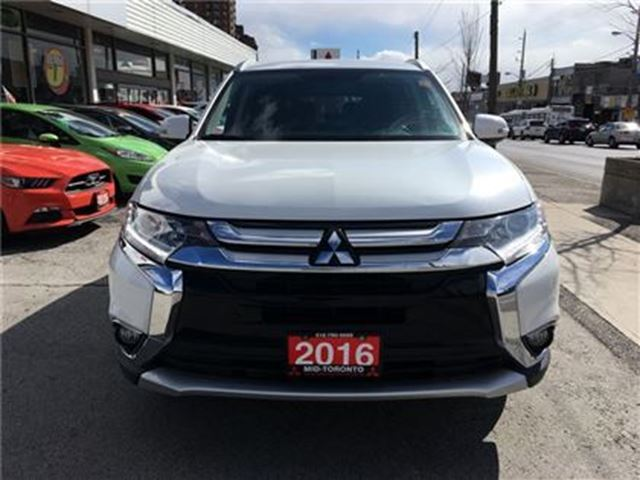 2016 mitsubishi outlander se awc 7 passenger seating. Black Bedroom Furniture Sets. Home Design Ideas