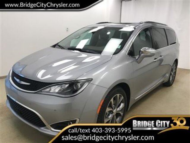 2017 CHRYSLER PACIFICA Limited Fully Loaded in Lethbridge, Alberta