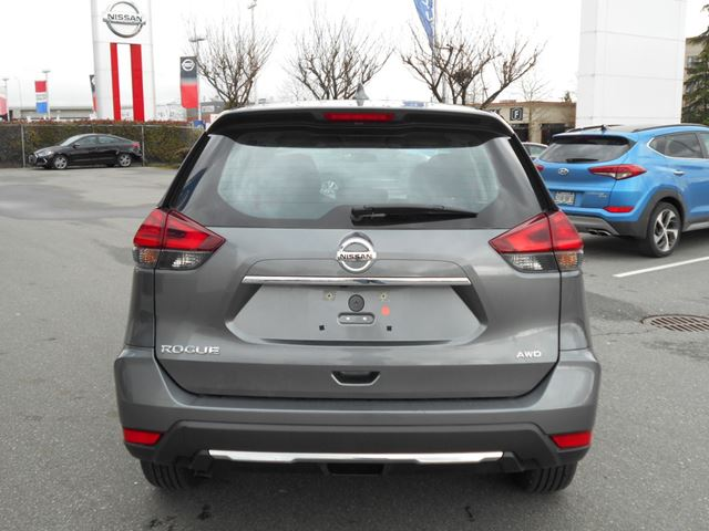 2017 nissan rogue s awd surrey british columbia used car for sale 2724797. Black Bedroom Furniture Sets. Home Design Ideas