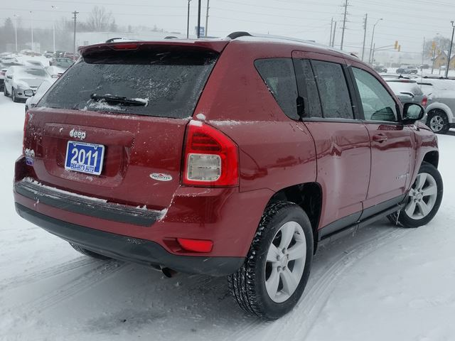 2011 jeep compass north edition 4x4 brantford ontario used car for sale 2725546. Black Bedroom Furniture Sets. Home Design Ideas