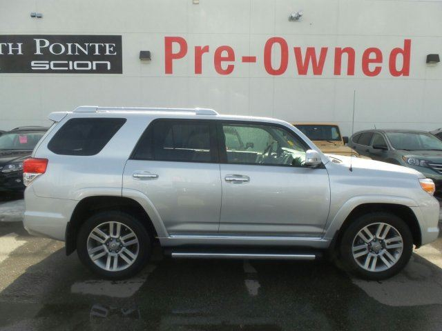 2013 toyota 4runner sr5 v6 calgary alberta used car for sale 2725621. Black Bedroom Furniture Sets. Home Design Ideas