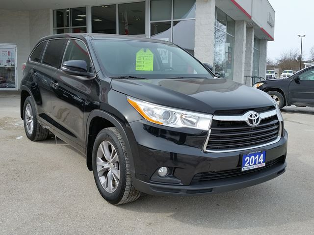 2014 toyota highlander le midland ontario used car for sale 2725746. Black Bedroom Furniture Sets. Home Design Ideas