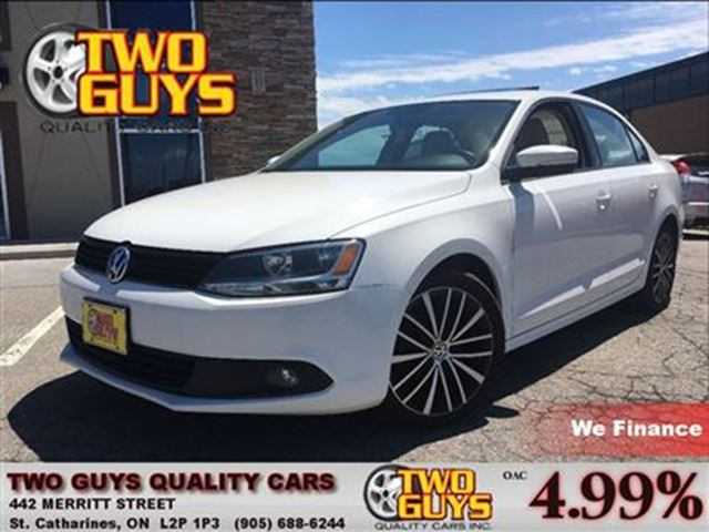 2013 VOLKSWAGEN JETTA 2.5L SPORTLINE TWO TONE LEATHER ROOF AUTO in St Catharines, Ontario