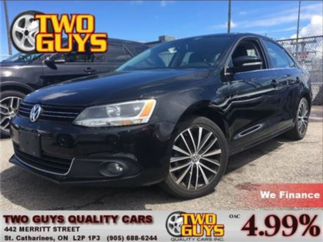 2013 VOLKSWAGEN JETTA 2.5L HIGHLINE STICK NAV LEATHER ROOF LOADED!! in St Catharines, Ontario