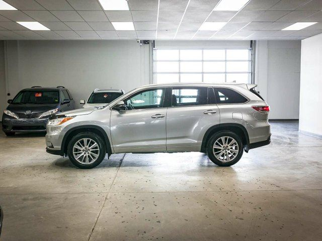 2016 toyota highlander xle 4dr all wheel drive edmonton alberta used car for sale 2727233. Black Bedroom Furniture Sets. Home Design Ideas