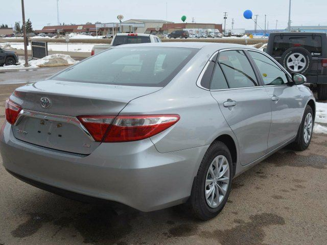 2017 toyota camry low kms great condition bonnyville alberta used car for sale 2726197. Black Bedroom Furniture Sets. Home Design Ideas