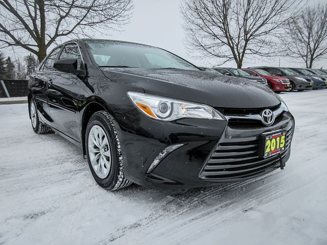 2015 toyota camry le 4 cylinder whitby ontario used car for sale 2726542. Black Bedroom Furniture Sets. Home Design Ideas