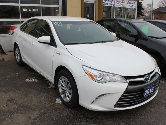 2016 toyota camry hybrid le hybrid brampton ontario used car for sale 2727554. Black Bedroom Furniture Sets. Home Design Ideas