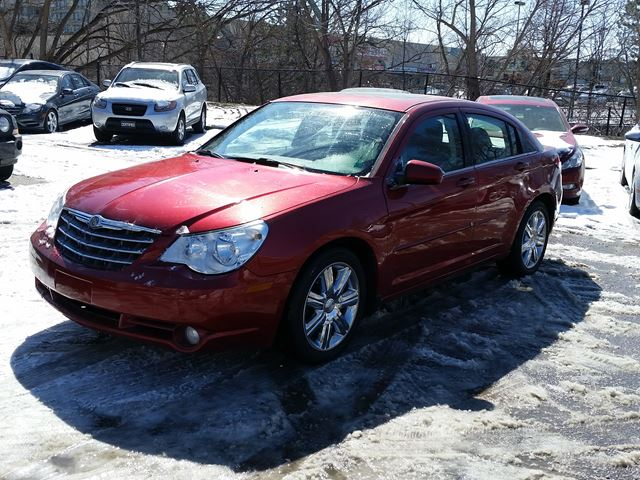 2010 Chrysler Sebring Touring Leather heated Sunroof in Mississauga, Ontario