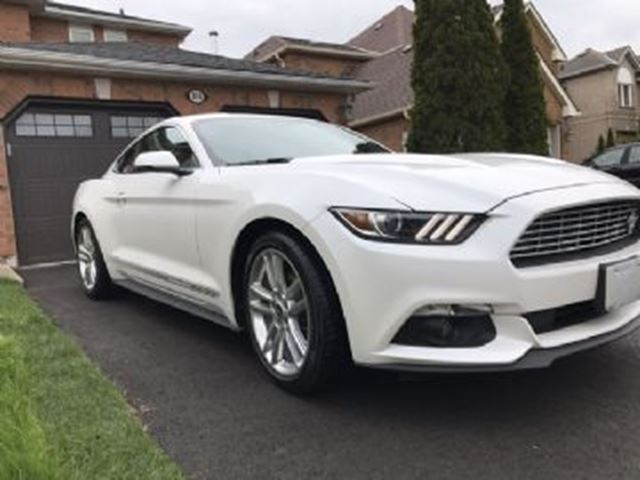 2017 Ford Mustang 2dr Fastback Ecoboost Premium White