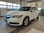 2013 Acura ILX 4cyl Tech - Navigation - Backup Cam - Sunroof in Thunder Bay, Ontario