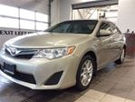 2014 Toyota Camry LE - Navigation - Low km - Remote Start! in Thunder Bay, Ontario