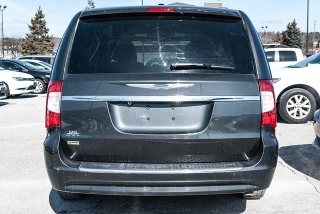 2011 chrysler town and country touring nav dvd barrie ontario used car for sale 2729250. Black Bedroom Furniture Sets. Home Design Ideas