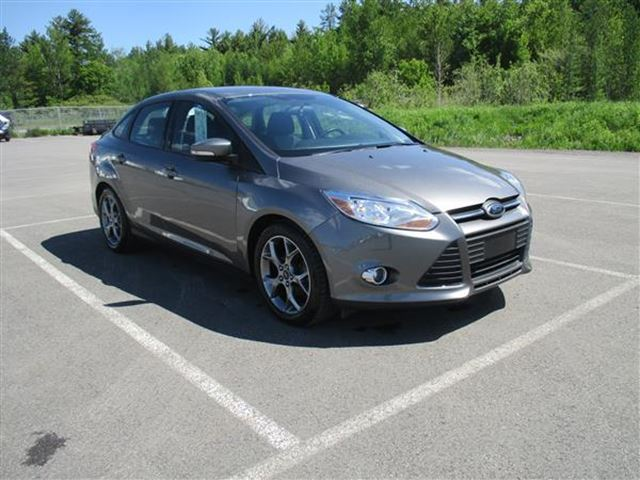 2014 ford focus se berline joliette quebec used car for sale 2729600. Black Bedroom Furniture Sets. Home Design Ideas