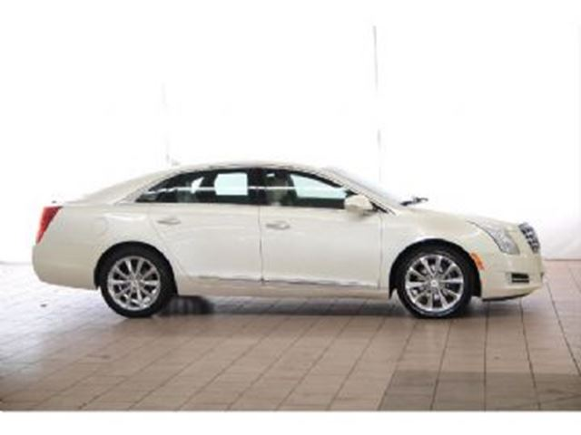 2014 cadillac xts 4dr luxury mississauga ontario used car for sale 2729908. Black Bedroom Furniture Sets. Home Design Ideas