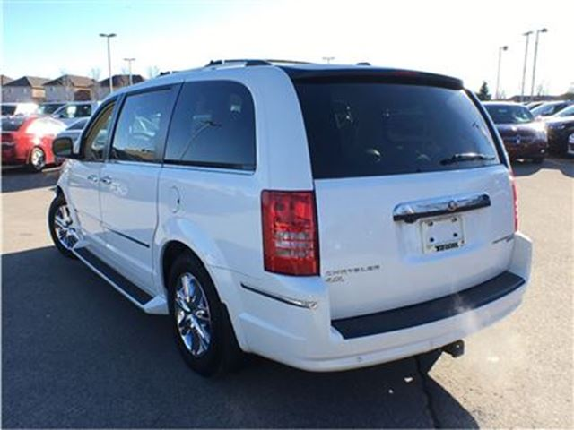 2010 chrysler town and country limited navigation dvd entertainment system mississauga. Black Bedroom Furniture Sets. Home Design Ideas