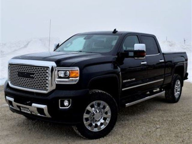 2016 gmc sierra 2500 denali winnipeg manitoba used car for sale 2730349. Black Bedroom Furniture Sets. Home Design Ideas