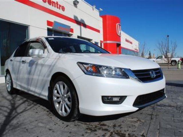 2015 honda accord touring airdrie alberta used car for sale 2730974. Black Bedroom Furniture Sets. Home Design Ideas