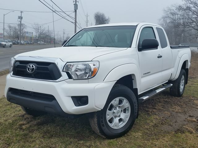 2015 Toyota Tacoma 4x4 in Fort Erie, Ontario