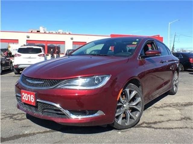 2016 Chrysler 200 C**LEATHER**NAVIGATION**SUNROOF**BACK UP CAMERA** in Mississauga, Ontario