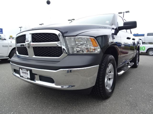 2013 dodge ram 1500 st accident free w 4x4 tow package u connect bluetooth surrey british. Black Bedroom Furniture Sets. Home Design Ideas