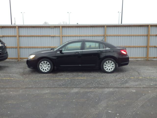 2013 chrysler 200 lx cayuga ontario used car for sale. Black Bedroom Furniture Sets. Home Design Ideas