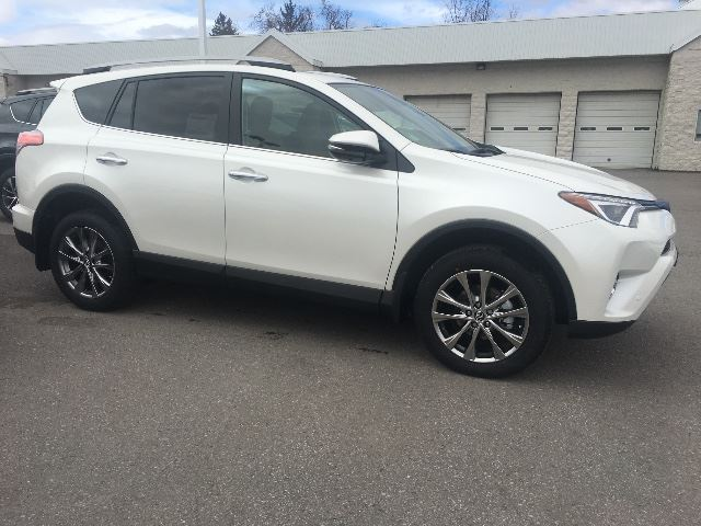 2017 toyota rav4 limited nav heated seats cobourg ontario used car for sale 2731431. Black Bedroom Furniture Sets. Home Design Ideas